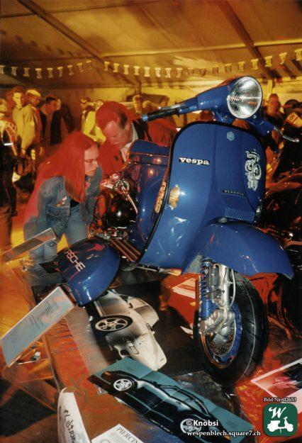 Vespa PX auf einer Customshow-Veranstaltung.
