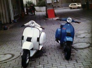 1998 auf dem Weg zum Flithy & Sly Scooterdive #11: Roller von Kowe (links) und Ralf (rechts)