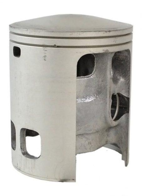 Bild 3b: Asso-Kolben unmodifiziert. Der Steg im Kolben befindet sich auf Höhe der Kolbenbolzenöffnung.