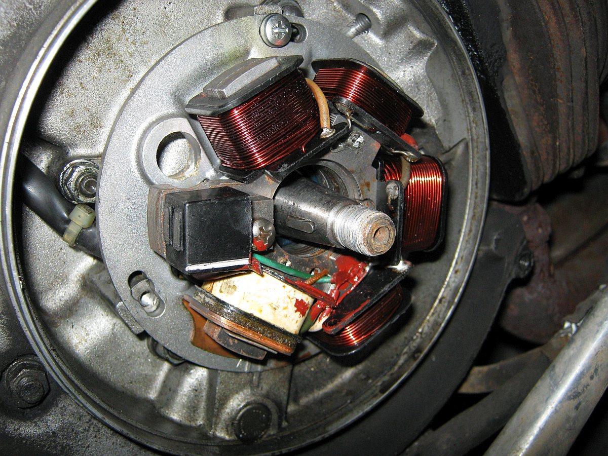 Bild 16: Zündgrundplatte PX alt mit elektronischer Zündung.
