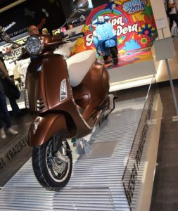 Eicma Motorradmesse 2017, Vespa, Primavera,