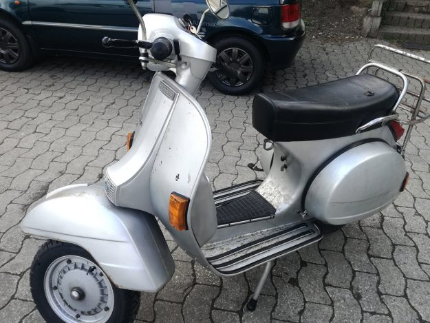 Vespa P80X
