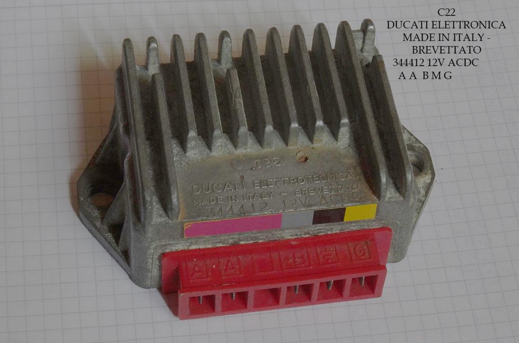 Bild 21: 12 Volt Spannungsregler der Firma Ducati mit 5 Anschlüssen (/A/A/G/B+/Masse). Bauteilnummer: 344412