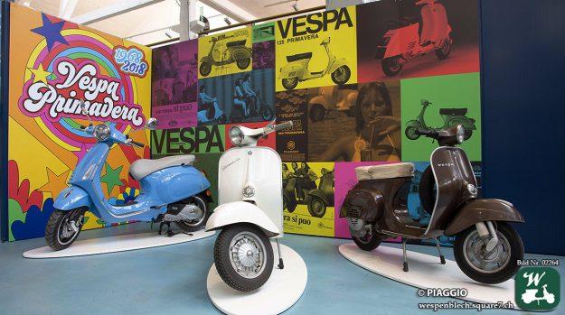 Vespa Primavera im Piaggio Museum Pontedera.