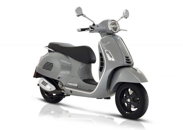 Die neue GTS: Hornabdeckung von der Primavera auf dem Beinschild. Dazu die LED-Technologie in Scheinwerfer und Fahrtrichtungsanzeiger.