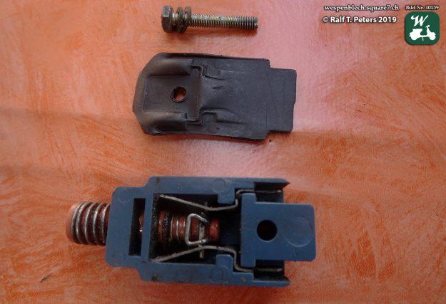 Bild 3c: Bremslichtschalter zerlegt