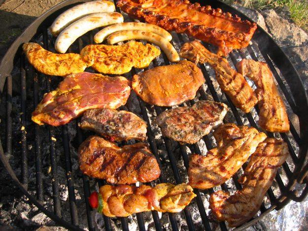 Fleisch auf Feuer. HOW HOW HOW!!!!